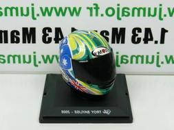 CM29G CASQUE MOTO GP 1/5  : TROY BAYLISS 2005 Suomy